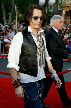More Pics of Johnny Depp Aviator Sunglasses (9 of 39) - Johnny Depp Lookbook - StyleBistro