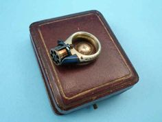 "Rare and unusual ""Femme Fatale"" ring pistol, originates from France, third quarter of the 19th century."