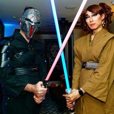 Sith and Jedi, together with a power of the force. Halloween Party, Halloween Costumes, Jedi Cosplay, Gay Couple, Sith, Starwars, Couples, Instagram Posts, Fashion