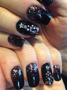gold black christmas nails  xmas nail art christmas