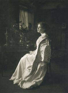 """pianolin: """" Woman in white James Craig Annan 1897 """""""