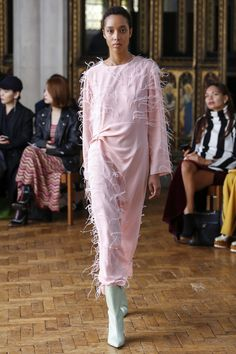 Sharon Wauchob Spring 2018 Ready-to-Wear Collection Photos - Vogue