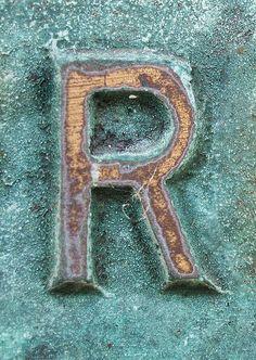 {Alphabet Letters} The letter 'R' Alphabet Art, Alphabet And Numbers, Letter Art, Alphabet Photos, Lettering Design, Hand Lettering, Typography Letters, Type Design, Graphic Design