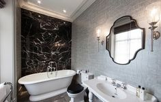 Luxe-silver-wallpaper-in-the-black-and-white-bathroom