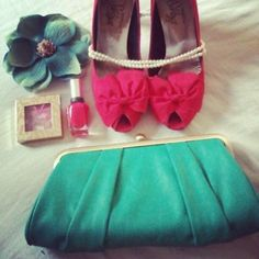 Spring Fashion trend from Tanger Outlets: Hot pink and mint! Shop tax-free in Delaware http://www.visitdelaware.com/listings/Tanger-Outlets/397/0
