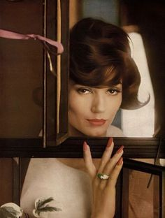 Simone's coiffure by Michel of Helena Rubinstein, domed ring by Schlumberger of Tiffany, photo by Saul Leiter, Harper's Bazaar, May 1959 Saul Leiter, Pittsburgh, Human Pictures, New York School, Diane Arbus, Ad Fashion, Vintage Fashion Photography, Vintage Glamour, Harpers Bazaar