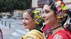 Hermosos tocados de flores naturales típicos de la Región de Murcia.