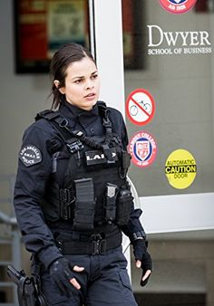 Swat Police, Female Police Officers, Police Uniforms, Girls Uniforms, Female Cop, Female Soldier, Military Girl, Military Police, Lina Esco