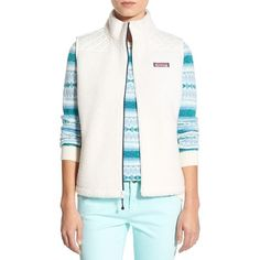 Vineyard Vines 'Sea View' Quilted Vest ($108) ❤ liked on Polyvore featuring outerwear, vests, marshmallow, sleeveless vest, white quilted vest, white vest, fuzzy vest and white waistcoat