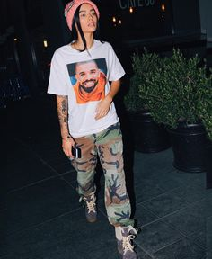 Minus drake's face (: Tomboy Outfits, Tomboy Fashion, Fashion Killa, Look Fashion, Streetwear Fashion, 90s Fashion, Urban Fashion, Trendy Outfits, Cool Outfits