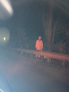 An epidemic of creepy clown sightings is sweeping America, and authorities don't… Scary Photos, Creepy Images, Creepy Pictures, Grunge Photography, Dark Photography, Arte Horror, Horror Art, Creepy Clown Sightings, Gruseliger Clown