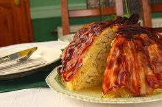 Hozzávalók:         1 nagyobb kelkáposzta   25 dkg vékonyra szeletelt bacon   80 dkg darált hús   1 tojás   1-2 evőkanál kókuszolaj (...