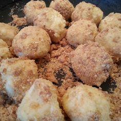 Túrógombóc az erdélyi nagymama szerint Hungarian Recipes, Hungarian Food, Mashed Potatoes, Muffin, Breakfast, Ethnic Recipes, Roots, Hungarian Cuisine, Whipped Potatoes
