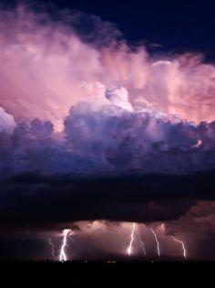 ✿ڿڰۣ Storm clouds and lightning All Nature, Science And Nature, Amazing Nature, Cool Pictures, Cool Photos, Beautiful Pictures, Travel Pictures, Beautiful Sky, Beautiful World