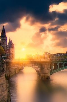 "Pont Notre Dame is a bridge that crosses the Seine in Paris, France linking the quai de Gesvres on the Rive Droite with the quai de la Corse on the Île de la Cité. The bridge is noted for being the ""most ancient"" in Paris -"