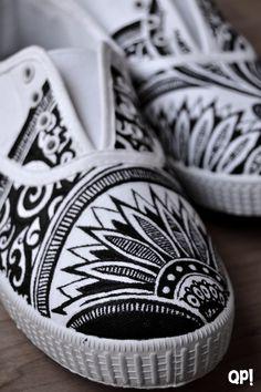 Que pintas! Zapatillas pintadas a mano Henna