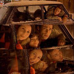 (via catpigdog) I loved her friends in this movie. Bridget Jones's Diary, Bridget Jones Movies, Bridget Jones Baby, Fake Baby Bump, Helen Fielding, Baby Diary, Richard Curtis, Diary Covers, Renee Zellweger