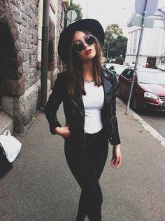 Gafas de sol redondas - Round sunglasses - Perfecto jacket - Black & White look - Grunge style