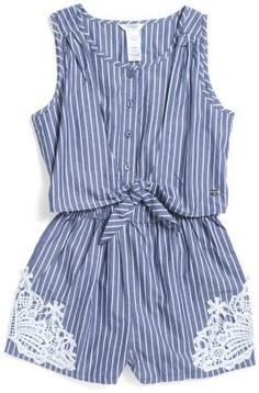 Shorts and blouse set with dantel patches Girl Outfits, Cute Outfits, Fashion Outfits, Summer Outfits, Toddler Dress, Baby Dress, Toddler Girls, Tween Fashion, Girl Fashion