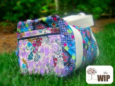 I'm traveling #handmade with this carry on sized duffle bag. The Sewing Loft