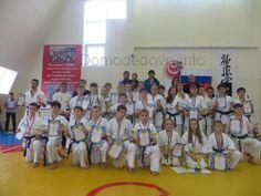 23 февраля в Физкультурно-Оздоровительном Комплексе «Фокус» состоялось Первенство Московской Области по Киокусинкай каратэ среди юношей и девушек 12-13 лет, старших юношей и девушек 14-15 лет, юниоров и юниорок 16-17 лет.