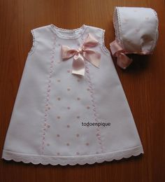 Sewing baby clothes learning 22 new ideas Baby Outfits, Little Dresses, Little Girl Dresses, Kids Outfits, Vintage Baby Dresses, Sewing Baby Clothes, Baby Sewing, Doll Clothes, Baby Dress Patterns