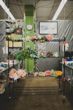 Flower market in Los Angeles | Photo by Katie Pritchard via Green Wedding Shoes | via Style and Create
