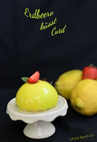 I'm hungry for …: Strawberry kisses Curd Source by Patisserie Design, Tea Cakes, Cupcakes, Cake Cookies, Baileys Dessert, Lemon Loaf Cake, Individual Cakes, Food Advertising, Gourmet Desserts