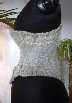 antique-gown.com images sampledata Unterwaesche Korsetts 1889_Paris_Weltausstellung 12_antique_corset_1889.JPG
