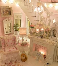 """153 Likes, 10 Comments - Vicky (@pinkinparadise808) on Instagram: """"Having fun decorating this dollhouse, I made a few more chandeliers and lamps #dollhouse…"""""""
