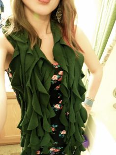 Ruffled scarf from a re-purposed t-shirt - nice tutorial