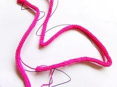 DIY déco - réaliser un flamand rose au tricotin - Perles & Co