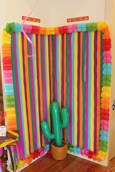Mexican Party Photo Booth Mexican Party Favors, Mexican Birthday Parties, Mexican Party Decorations, Mexican Fiesta Party, Fiesta Theme Party, Streamer Backdrop, Party Streamers, Party Background, Backdrops For Parties