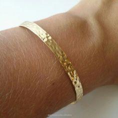 Bracelet, jonc plaqué or 18 carats - bracelet rigide motif martelé - taille réglable - gold plated 18k