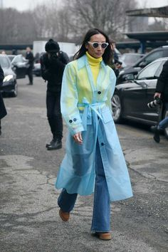 The Best Street Style From Milan Fashion Week 2018 Street Style 2018, Nyfw Street Style, Street Style Trends, Cool Street Fashion, Street Style Looks, Street Styles, Fashion Week 2018, Milan Fashion Weeks, Street Outfit