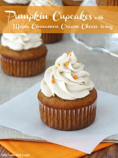 Pumpkin Cupcakes with Maple Cinnamon Cream Cheese Icing! Moist and full of pumpkin flavor! Pumpkin Cupcakes, Pumpkin Dessert, Baking Cupcakes, Cupcake Recipes, Cupcake Cakes, Dessert Recipes, Cupcake Art, Drink Recipes, Chocolate Chip Cookies