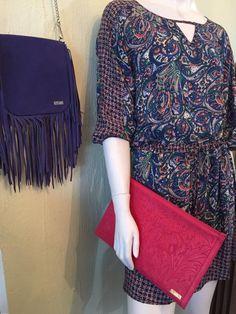 Rojo Apparel, Túnica paisley, Vestido de tela rayón con manga 3/4 con cintura ajustable. Estampado paisley azul con rosa