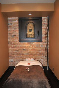 Ah-h-mazing massage therapy room at Wolf Mountain Day Spa.