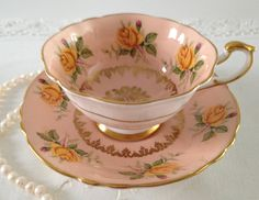 Peach Paragon China Tea Cup & Saucer by TheEclecticAvenue on Etsy Coffee Cups And Saucers, Teapots And Cups, Tea Cup Saucer, Teacups, Antique Tea Cups, Vintage Cups, Tea Sets Vintage, China Tea Cups, Le Diner