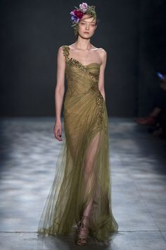 Marchesa Otoño Invierno New York Fashion Week Couture Mode, Style Couture, Couture Fashion, Runway Fashion, Fashion Moda, Fashion Week, New York Fashion, Green Fashion, Autumn Fashion