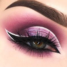 If you apply winged eyeliner in the right way, it can define your eyes and make you appear prettier. But how to do that, you might wonder. Read our post where you can find eyeliner application hacks for every eye shape. Once you learn that, you will apply eyeliner in the most flattering way. #makeup #makeuplover #wigedeyeline
