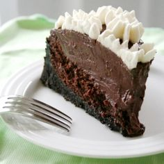 Mississippi Mud Pie - a moist, chocolatey cake layer, a thick and rich pudding layer, and a  cookie crust.