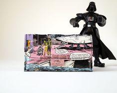 Tabaktasche STAR WARS & R2-D2 Comic upcycling Unikat! Tabakbeutel Krieg der Sterne Starwars Comic Tasche Recycling handmade in Berlin von PauwPauw auf Etsy