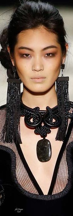 love the earings !!!!Tom Ford 2015 RTW