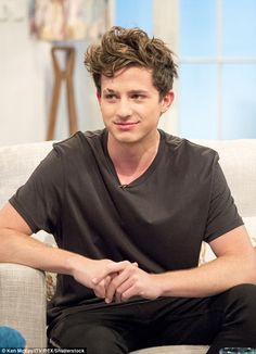 Charlie Puth 💖His personality 👌👌💖💖 Charlie Puth, Cute Celebrities, Hollywood Celebrities, Celebs, Nine Track Mind, Nova Jersey, King Of Music, My People, Guys And Girls