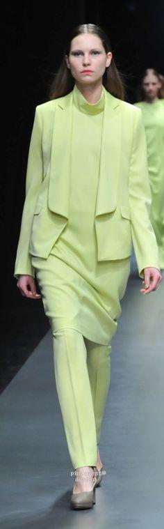 Hanae Mori Manuscrit Tokyo Fall 2015 Fashion Show Tokyo Fashion, I Love Fashion, Fashion Show, Fashion Design, Hanae Mori, Fashion 2018 Trends, Fashion 2015, Models, Stunning Dresses