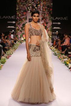 Bridal Fashions http://maharaniweddings.com/gallery/photo/20606 @Shiv Sachdeva Sachdeva Gopal Music/designer-shyamal-bhumika