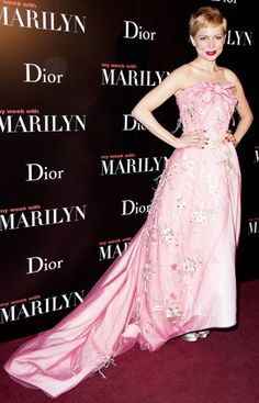 Michelle Williams' Sophisticated Style Moments: My Week With Marilyn's Paris Premiere