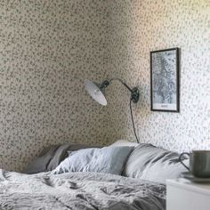 Welcome to Sandberg Wallpaper. We are a Swedish design company that specialises in wallpapers and home accessories. Wallpaper Size, Trendy Wallpaper, New Wallpaper, Sandberg Wallpaper, Beige Wallpaper, Interior Wallpaper, Bedroom Wallpaper, Home Greenhouse, Sweet Home