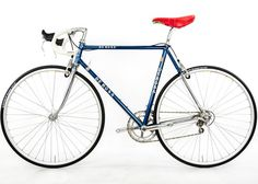 Steel Vintage Bikes - De Rosa Professional Classic Bicycle 1990s. Another Italian beauty. Red and blue classic. Super stylish!